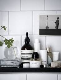 bathroom styling ideas pin by jenný hrund on bathroom hanging plants