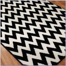 Black And White Zig Zag Rug Black And White Chevron Rug 5x8 Rugs Home Decorating Ideas