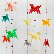origami chambre bébé la guirlande origami est une déco chouette pour vos intérieurs
