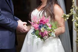 wedding flowers kent posy kent wedding flowers westerham florist