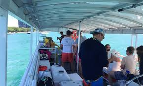 party rentals chicago funtime 1 party boats for rent in chicago getmyboat