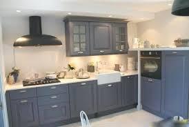 comment renover une cuisine renover une cuisine rustique en moderne repeindre cuisine nouvelles