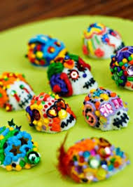 What Is The Main Holiday Decoration In Most Mexican Homes Mexican Culture Celebrate The Mexican Holidays