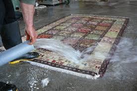 come pulire tappeti persiani lavaggio tradizionale tappeti con acqua pulizia tappeti trieste