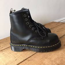 womens work boots uk best 25 black steel toe boots ideas on insects