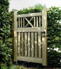 portails de jardin portillon de jardin bois portail bois exotique carlier construction