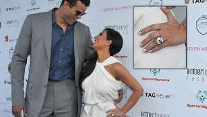 Kim Kardashian Wedding Ring by Kim Kardashian U0027s Engagement Ring From Kris Humphries Sells At