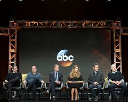 Cast Of Designated Survivor Tca Summer 2016 Tour Quick Takes From The Abc Presentations Seat42f