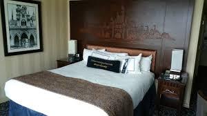 disneyland hotel disney bounders