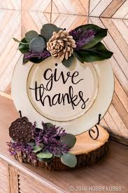 thanksgiving table decorations inexpensive best 25 plate chargers ideas on pinterest holiday tables xmas