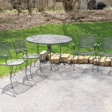 Mesh Patio Table Eddie Bauer Mesh Patio Table And Four Chairs Ebth