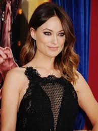 best way to create soft waves in shoulder length hair soft waves with a mid part hairstyle flirty spring hairstyle ideas