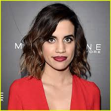 natalie morales hair 2015 actress natalie morales comes out as queer natalie morales