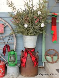 Christmas Decorations For The Outdoors by Organized Clutter Decorating The Outdoors For Christmas With Junk
