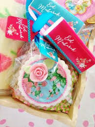 eid mubarak gifts cakes and cookies gift wrapped eid