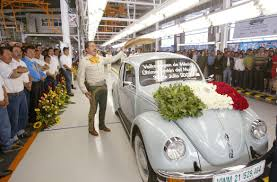 volkswagen beetle trunk in front volkswagen mulls making an electric beetle that goes back to its