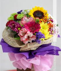 flower delievery bouquet of mixed colorful flowers