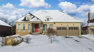 west orangeville 3 bedroom bungalow on premium lot w pool for
