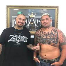 ufc fighter hunt gets a haunting chest tattoodo