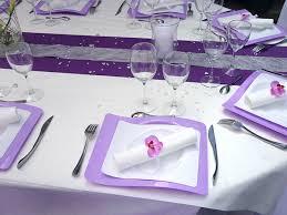 assiette jetable mariage décoration de mariage de valérie et pascal blanc et violet