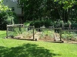 Simple Garden Fence Ideas Garden Fence On A Slope Garden Pinterest Garden Fencing