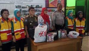 razia barang ilegal petugas sita 135 obat kuat dan alat bantu