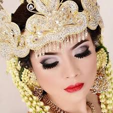 indonesian brides indonesian bridal makeup extravagant tradition with a modern