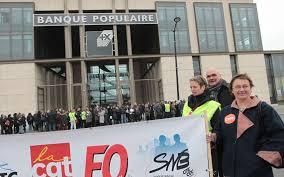 siege sociale banque populaire bordeaux les employés de la bpce manifestent devant le siège de