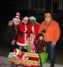 Grinch Halloween Costume 33 Family Halloween Costumes Absolutely Fantastic