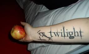 5 splendid twilight tattoo designs for women gilscosmo com