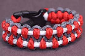 make survival bracelet images Make an outstanding paracord survival bracelet boredparacord jpg