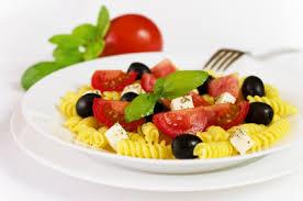 cuisine sicilienne recette de la salade de pâtes à la sicilienne pratique fr