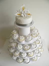 wedding cake and cupcakes bling wedding cakes and cupcakes cupcake wedding cakes in wedding
