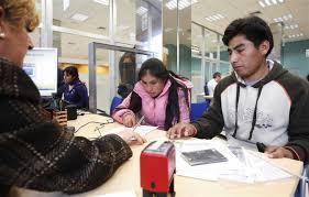 bureau de l immigration intégration une étude donne la parole aux migrants libération
