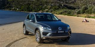 volkswagen touareg 2016 2011 2016 volkswagen touareg recalled for loose bearing clip