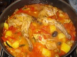 cuisiner le lapin en sauce lapin et pomme de terre sauce tomates et courgettes tout