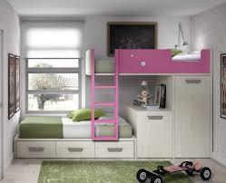 bureau superposé lit superposé avec tiroirs une armoire et un bureau mobile