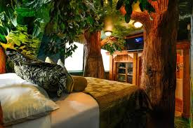 themed rooms the coolest hotels in salt lake city keeping things hot room5