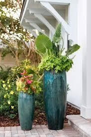 Home Front Yard Design 25 Best Front Courtyard Ideas On Pinterest Courtyard Ideas