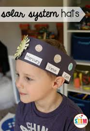 what an awesome outer space craft for kids make solar system hats