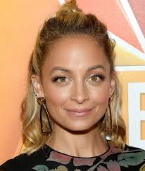 Bad Blood Video Nicole Richie Morphs Into Taylor Swift In This Hilarious U201cbad