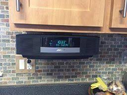 bose wave under cabinet wall bracket under cabinet radio am fm bluetooth cd player clock