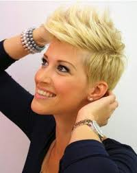 the blonde short hair woman on beverly hills housewives 21 easy hairdos for short hair pixie haircut faux hawk and