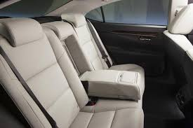 is lexus a luxury car 2014 toyota avalon vs 2014 lexus es what s the difference