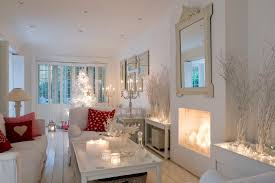 White Christmas Room Decorations by 15 Beautiful Ways To Decorate The Living Room For Christmas