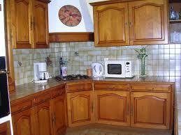 moderniser une cuisine en bois relooker une cuisine en bois 5 rangements diy rcup et malins pour
