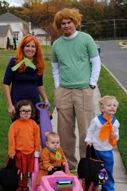 Halloween Costume Themes For Families by Best 25 Scooby Doo Costumes Ideas On Pinterest Velma Costume