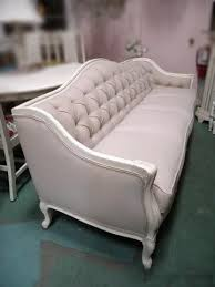 French Provincial Sofa by Best 25 Antique Couch Ideas On Pinterest Antique Sofa