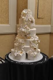 gold edible lace and red rose wedding cake wedding cake delivered