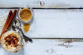cuisine plus macon cuisine traditionnelle du riz au lait dans un bocal et ingrédients